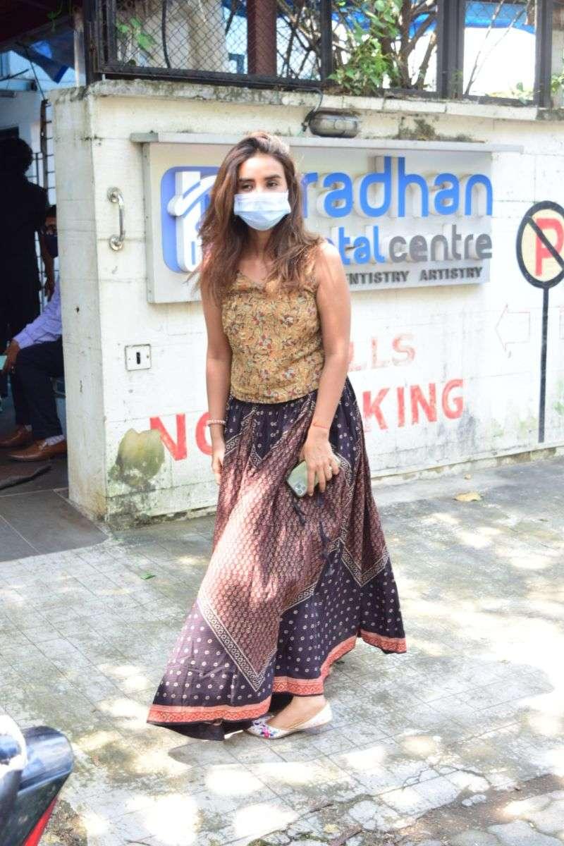 Actress Patralekha Pics at juhu HD photos