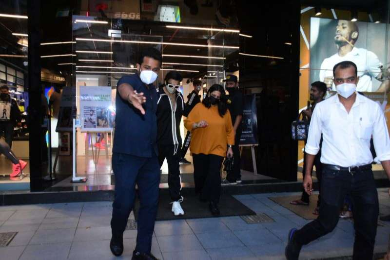 Ranveer Singh Latest Images at bandra HD photos
