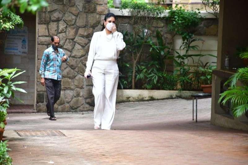 Kareena Kapoor Latest Photos at bandra HD