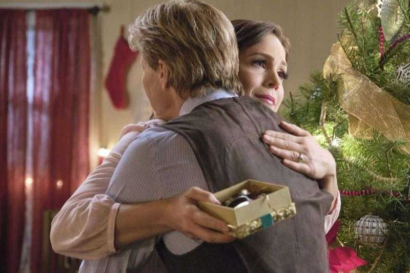 Erin Krakow - When Calls the Heart Home for Christmas (2019) Stills HD