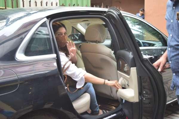 Bhumi Pednekar Latest images at juhu HD