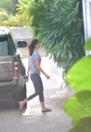 Alia Bhatt Spotted Ranbir Kapoor's House In Bandra HD Photos