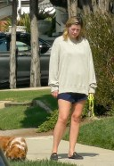 Mischa Barton Takes her elderly Cocker Spaniel for a quick walk on Sunday evening in Los Angeles