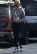 Sarah Michelle Gellar CUte Pics At coffee SHop in Los Angeles