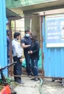 Ranbir Kapoor & Neetu Kapoor Spotted At Bandra HD Photos