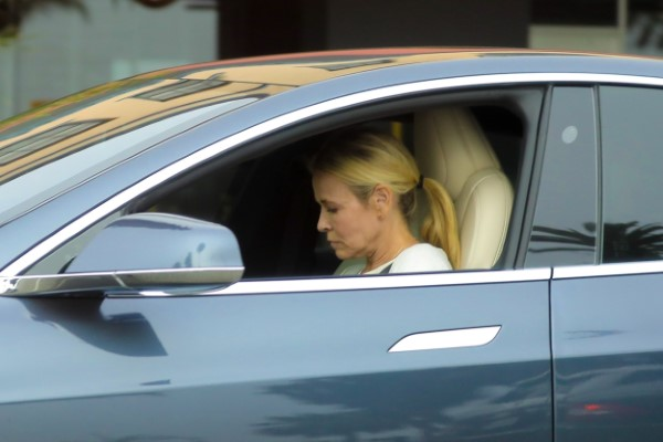Chelsea Handler Is spotted wearing no mask during lunch at Blue Plate Oysterette in Santa Monica