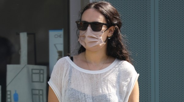 Rumer Willis displays her chic style during a coffee run