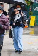 Chloë Sevigny And her baby take on the rainy streets of New York HD