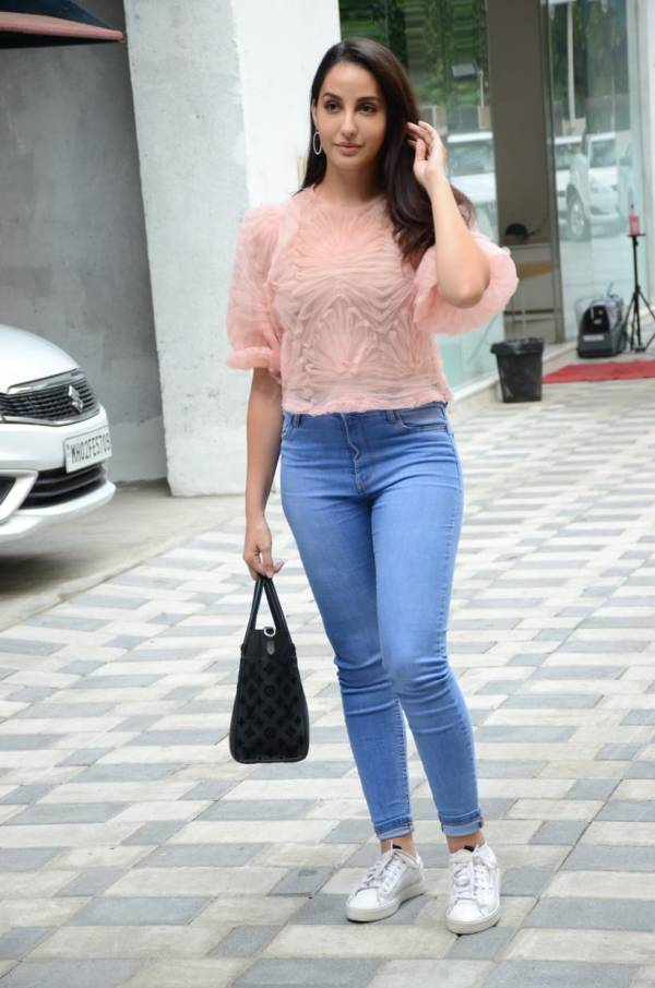 Nora Fatehi Spotted Hot and Cute Pics At Tseries Office In Andheri