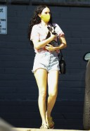 Rumer Willis visits Healthy Spot pet shop with her adorable new puppy 3
