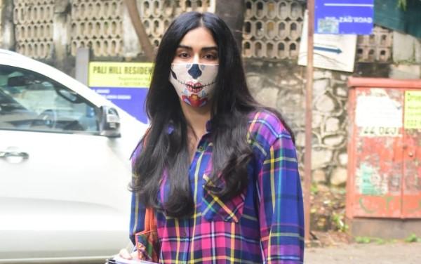 Adah Sharma Spotted At Pali Hill Bandra HD Photos