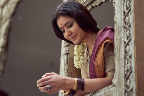 Raashi Khanna Hot Pics In Saree HD
