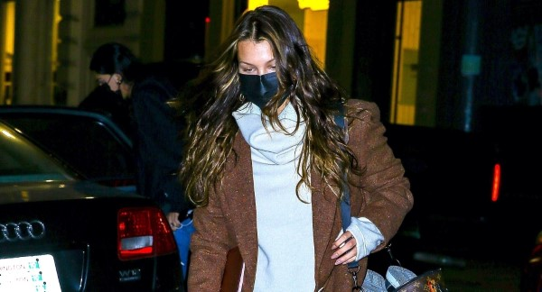 Bella Hadid arrives at her apartment in the Big Apple New York