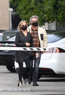 Goldie Hawn And husband Kurt Russell mask up as they go out for a seafood 13