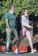 Jessica Alba And her dad Mark going for a walk in Beeverly Hills 13