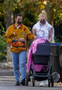 Sophie Turner Looking fabulous for a stroll with Joe Jonas and daughter 13