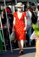 Amber Heard shops for some fresh vegetables at the Hollywood Farmers Market