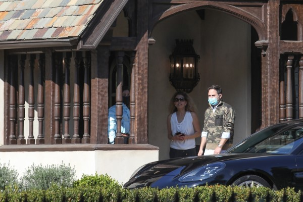 Hailey Bieber (Baldwin) Seen leaving her private pilates class at a home
