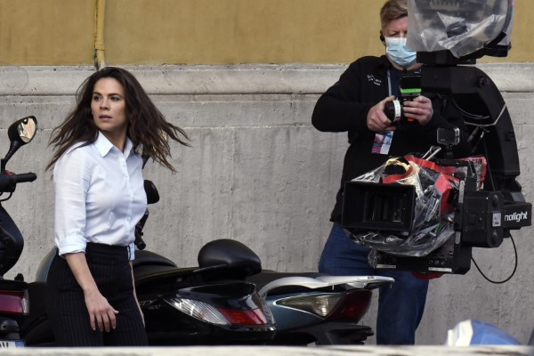 Hayley Atwell On the set of Mission Impossible 7