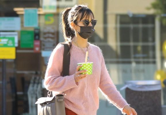 Jordana Brewster Looks gorgeous in her pretty pink sweater