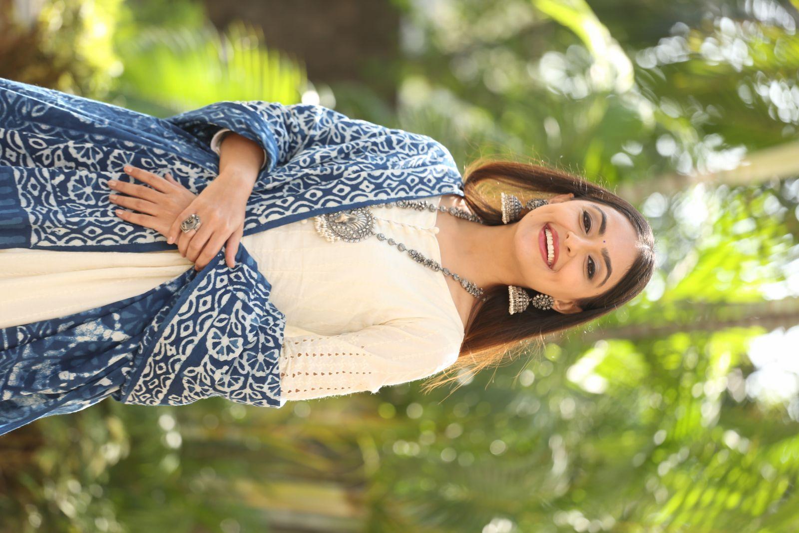 Actress Miyra Hot Pics and Photos HD