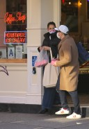 Katie Holmes Picks up some cupcakes at Little