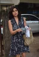 Shamita Shetty Spotted At Kromakay Juhu Photos hd 3