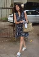 Shamita Shetty Spotted At Kromakay Juhu Photos hd