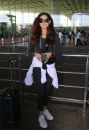 Aakanksha Singh Spotted At Airport Departure HD PHOTO 3