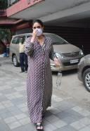 Kareena Kapoor Spotted At Khar HD Photos