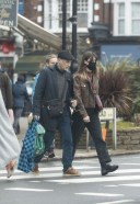 Daisy Edgar Jones Out for some last minute Christmas shopping with her father Philip in London 13