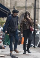 Daisy Edgar Jones Out for some last minute Christmas shopping with her father Philip in London 3