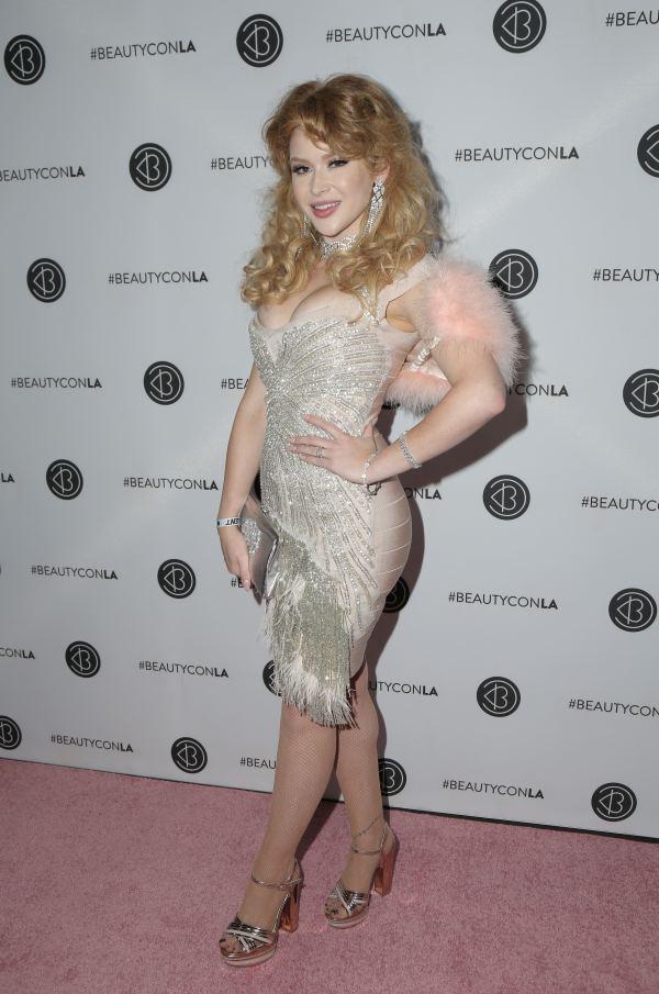 Renee Olstead Los Angeles Beautycon Festival