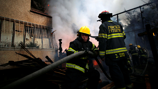 فرق الاطفاء الإسرائيلية