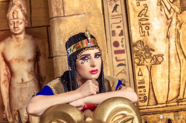 الفنانة ميرنا وليد فى اطلالة فرعونية  (1)