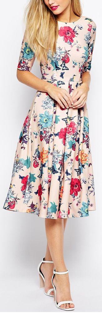 فستان منقوش بالورود