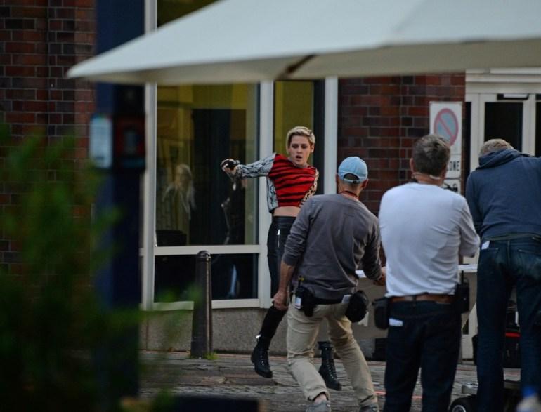 Kristen Stewart during photography (4)