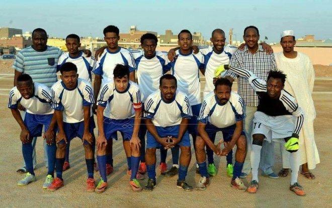 أحمد أشرف مع فريق ود حبوبة الذى يضم أبناء الجالية السودانية