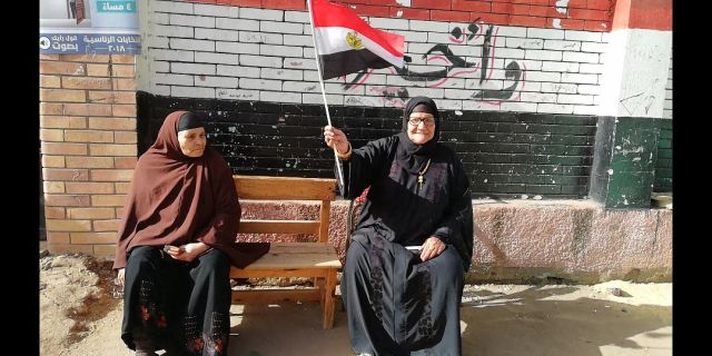 الحاجه سبيله المتبرعه بثروتها بالكامل إلى صندوق تحيا مصر (1)