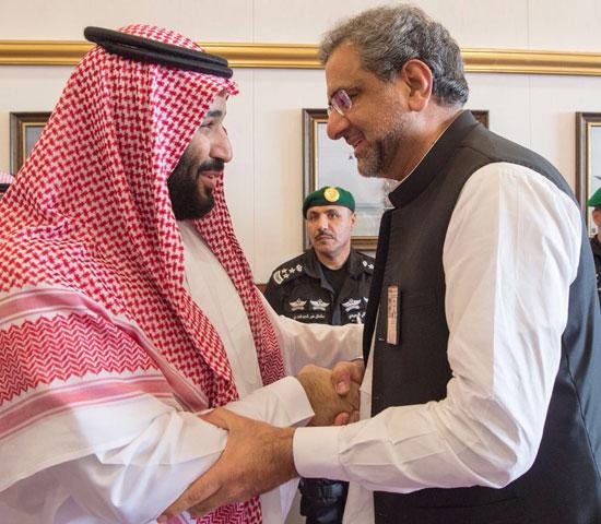 ولى العهد السعودى فى استقبال رئيس وزراء باكستان
