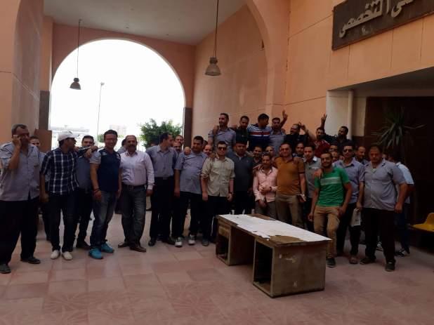 وقفة احتجاجية لأفراد أمن مستشفى جامعة المنوفية للمطالبة بتثبيتهم (4)