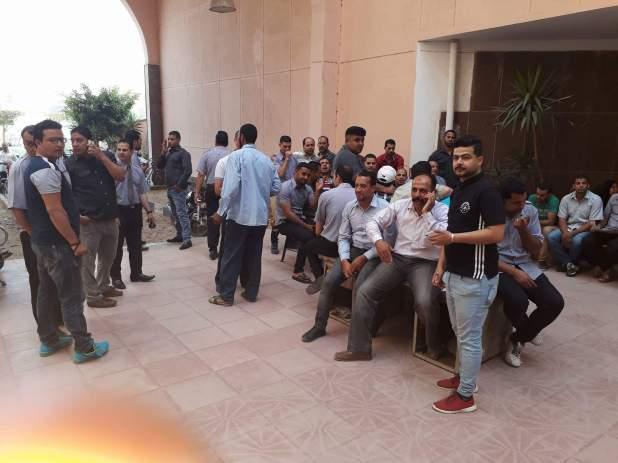وقفة احتجاجية لأفراد أمن مستشفى جامعة المنوفية للمطالبة بتثبيتهم (1)