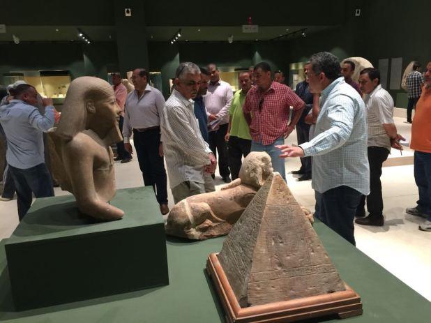 وزير الآثار يتابع أعمال متحف سوهاج لقرب افتتاحه (14)
