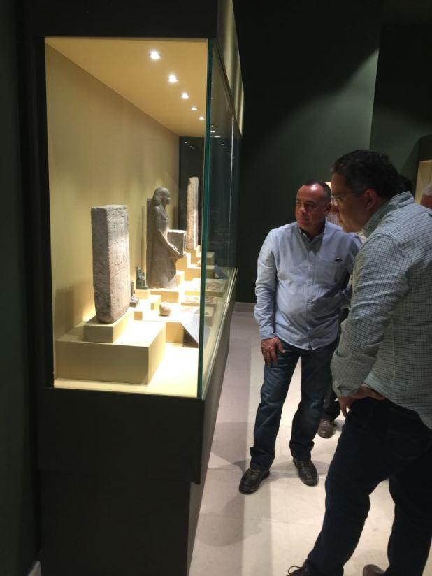 وزير الآثار يتابع أعمال متحف سوهاج لقرب افتتاحه (13)