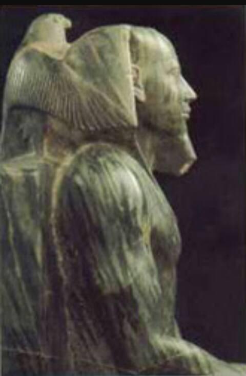 تمثال الملك خفرع من مادة الديوريت الأخضر