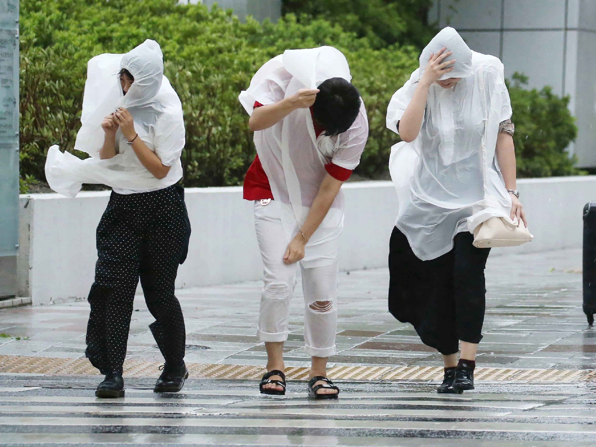 جانب من إعصار اليابان