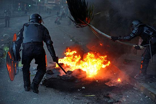 2019-10-05T015251Z_399950310_RC18BA62CD10_RTRMADP_3_ECUADOR-PROTESTS