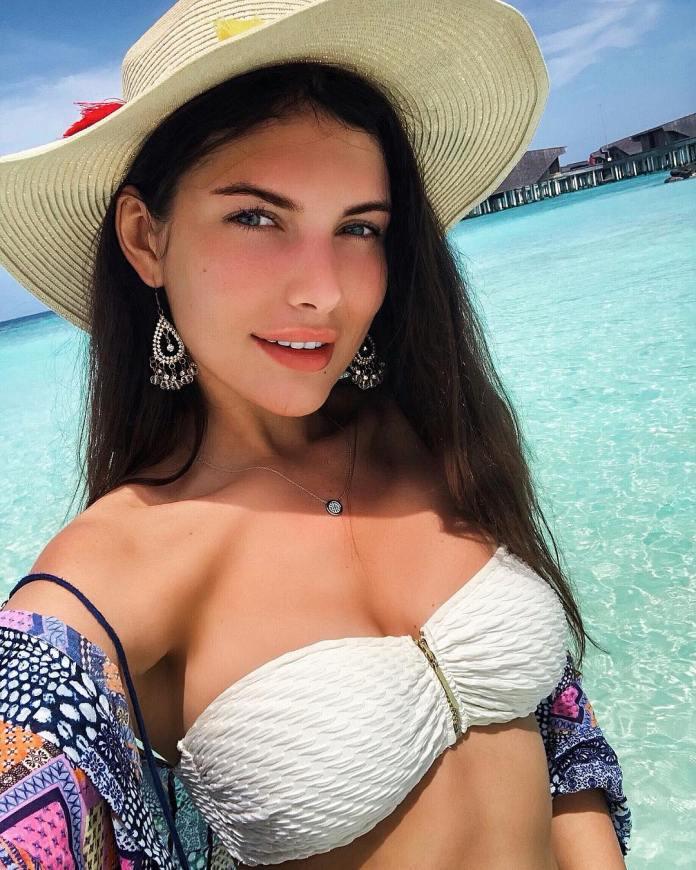 Alicia en las Maldivas