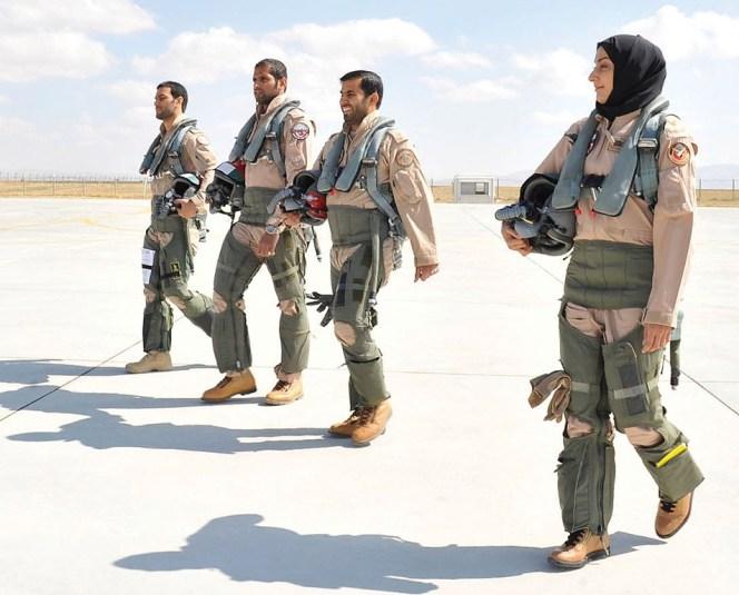 مريم المنصورى أول طائرة مقاتلة فى تاريخ الإمارات