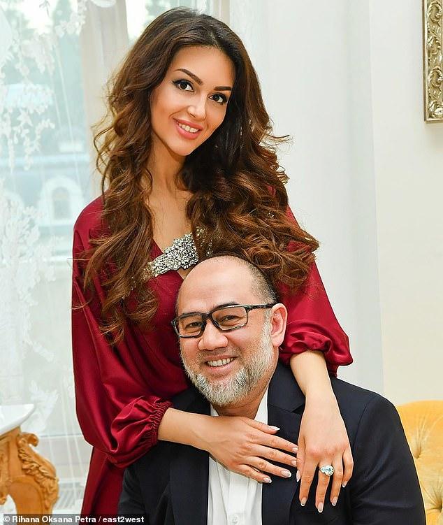 سلطان ماليزيا وع ملكة جمال موسكو